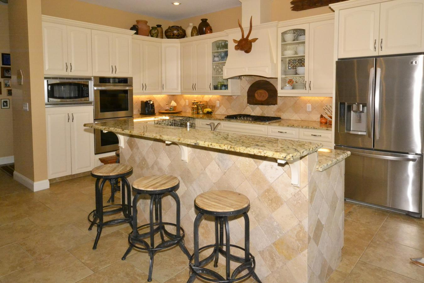 Key west style kitchen cabinets key west style bedroom for Key west style kitchen designs